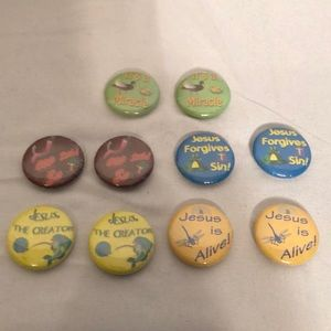 Lot of 10 Christian Pins Great VBS Prizes